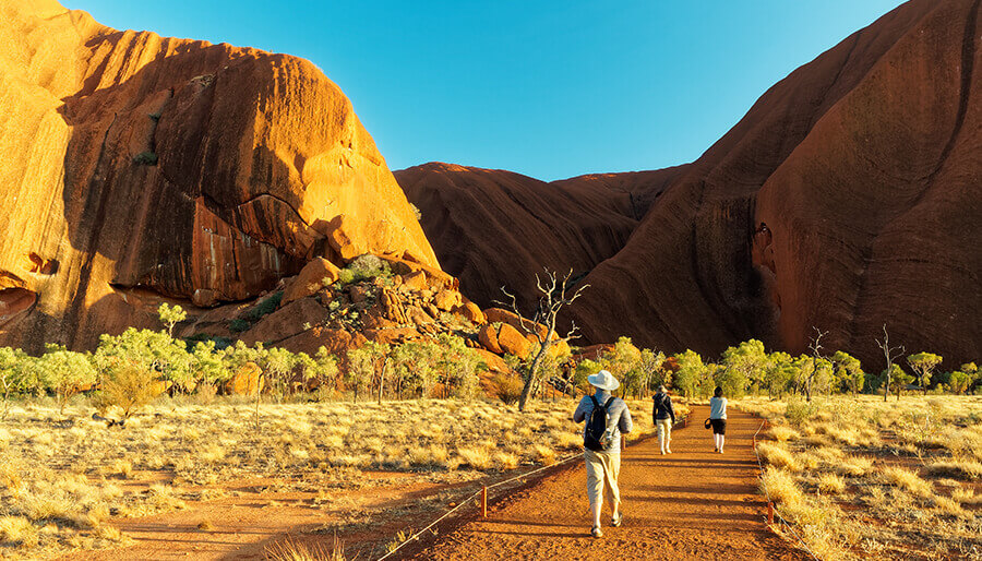 7 Incredible Alice Springs & Surrounds Experiences To Have On Your Big Lap